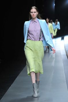 For color reference.  Hanae Mori Designed by Yu Amatsu Tokyo Fall 2015 Collection Photos - Vogue