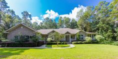 Beautiful Home with Acreage and In-Law-Suite in Greenbranch Estates