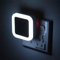 Alta Calidad Auto Control de Inducción Del Sensor de Luz LED Noche Dormitorio lámpara de luces de la cama llevó la lámpara de noche dormitorio luz de noche us enchufe
