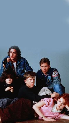 the breakfast club; wallpaper the breakfast club; 90s Movies, Iconic Movies, Classic Movies, Good Movies, Movie Tv, Movie Club, 80s Aesthetic, Aesthetic Movies, Aesthetic Pictures