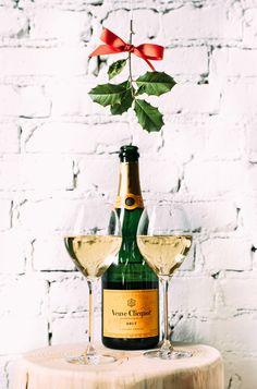 Clicquot under the mistletoe #ClicquotintheSnow