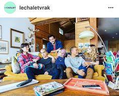 Le Chalet, saison3, vrak.tv #lechaletchopchop In This Moment, Chair, Furniture, Tv, Home Decor, Chalets, Decoration Home, Room Decor, Home Furniture
