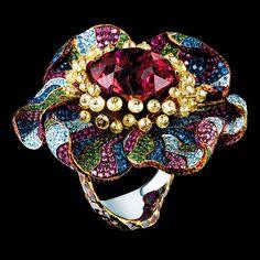 Poppy Flower Ring, 18K white gold, 1 tourmaline, 42 yellow briolette diamonds, 191 purple diamonds, 241 sky diamonds, 355 sapphires, 242 rubies, 252 tsavorites