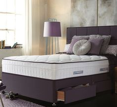 The Sealy Morino divan bed has 2600 Pocket Springs set in two layers, one on top of the other. The matters is then topped with a deep layer of natural Innergetic Latex. This combination works wonderfully and provides both perfect support and supreme luxury.