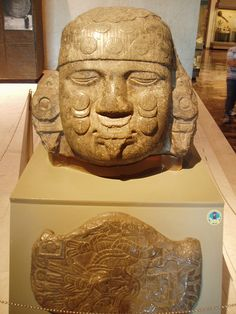 Aztec Head mexica The Museo Nacional de Antropología (National Museum of Anthropology) i