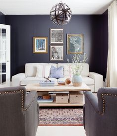 Deep and dramatic, black walls never fail to make a statement. Navy Living Rooms, Family Dining Rooms, Eclectic Living Room, Formal Living Rooms, Navy Accent Walls, Navy Walls, Black Walls, Bungalow, White Washed Floors