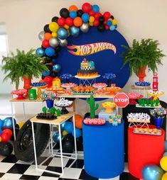 Fiestas de moda para niño - Decoracion de fiestas infantiles para niños Hot Wheels Birthday, Race Car Birthday, Race Car Party, Baby First Birthday, 5th Birthday, Hot Wheels Cake, Hot Wheels Party, Car Themed Parties, Cars Birthday Parties