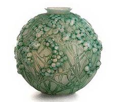 Lalique vase  http://www.typologycentral.com/forums/arts-entertainment/25376-aesthetics-arts-crafts-art-nouveau-vis-art-architecture-material-culture-4.html