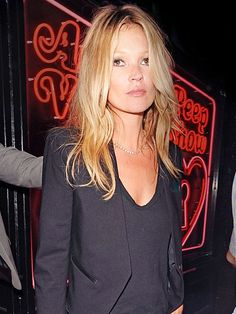 The Many Black Jackets of Kate Moss Kate Moss Hair, Kate Moss Style, Mark Roberts, Lace Jacket, Faux Leather Jackets, Who What Wear, Supermodels, Night Out, Looks Great
