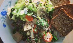 Salată cu spanac și semințe - Natur House Natur House, Blue Apron, Avocado Toast, Breakfast, Ethnic Recipes, Food, Salads, Morning Coffee, Eten