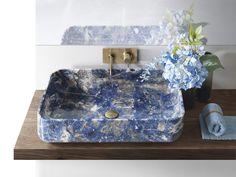 Kolorowa umywalka, oryginalna umywalka, aranżacja łazienki, łazienka. Zobacz więcej na: https://www.homify.pl/katalogi-inspiracji/16727/6-wyjatkowych-elementow-pieknej-lazienki