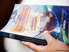Vocês precisam conferir a resenha desse livro Sensacional!!!! http://www.delivroemlivro.blogspot.com.br/2014/03/resenha-186-quase-honrosa-liga-de.html