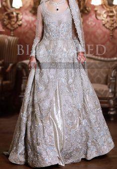 Pakistani Wedding Outfits, Pakistani Wedding Dresses, Bridal Outfits, Bridal Dresses, Dress Wedding, Wedding Bells, Wedding Bride, Pakistani Mehndi Dress, Walima Dress