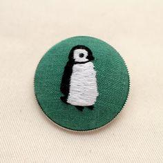 【作品販売】ペンギンのブローチ | net store ~アンナとラパン