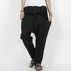 Today's Hot Pick :【单色】时尚翻领松紧腰头宽松垮裤 http://fashionstylep.com/P0000HQG/polyma/out 时尚的超高腰翻领剪裁,区别于以往垮裤,丰富了整体的立体感,更显时尚个性!纯色的配色,宽松的版型,非常易于搭配,穿着也更为舒适轻松,绝对是潮男必备单品! <推荐潮搭> 十字架印花短袖T恤/时尚绷带休闲凉鞋 ♦宽松 ♦舒适 ♦翻领腰