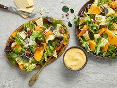 Persimonsalaatti   Valio Avocado Toast, Vegetable Pizza, Salads, Food And Drink, Vegetables, Breakfast, Christmas, Ideas, Morning Coffee