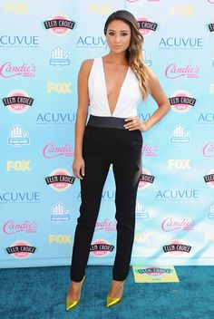 Shay Mitchell in Jenni Kayne at the Teen Choice Awards 2013 #fashion #jumpsuit #blackandwhite