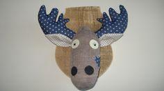 Trophée tête de caribou chaussette marron : Décorations murales par rouge-lin-et-bois