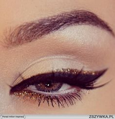 classic makeup | could use a different color too