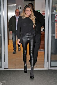 Grey Fashion, Leather Fashion, Autumn Fashion, Women's Fashion, High Leather Boots, Leather Trousers, Shiny Leggings, Leggings Are Not Pants, Nadine Coyle