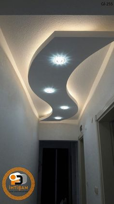 Irresistible Entrance False Ceiling Lighting Design Ideas 6 Eager Tips: False Ceiling Bathroom Bathtubs false ceiling beams rustic. Ceiling Design Modern, Ceiling Decor, Corridor Design, Ceiling Lights, Ceiling, Chandelier In Living Room, False Ceiling Design, Ceiling Light Design, Living Room Design Decor