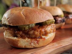 Hot Chicken-Fried Steak Sandwiches recipe from Damaris Phillips via Food Network - homemade easy sauce, serve with ranch , no pickles - could make with thin chicken breasts too. Chicken Fried Steak Sandwich Recipe, Roast Beef Sandwich, Steak Sandwich Recipes, Fried Chicken, Sandwich Ideas, Stuffed Chicken, Wrap Sandwiches, Steak Sandwiches, Chili Cheese Burger