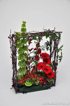 #Frame in Rood/Groen... https://www.bissfloral.nl/blog/2017/02/08/frame-in-roodgroen/