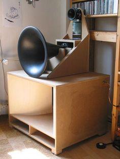 exponential front horn loaded speaker line array Open Baffle Speakers, Horn Speakers, Diy Speakers, Audiophile Speakers, Hifi Audio, Stereo Speakers, Audio Design, Speaker Design, Fi Car Audio