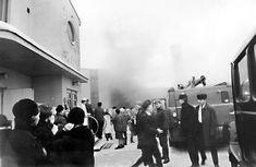 Tulipalo syttyi lauantaina 31. joulukuuta kello 13. Paikalle kerääntyi runsaasti tapahtumaa hämmästelevää yleisöä.