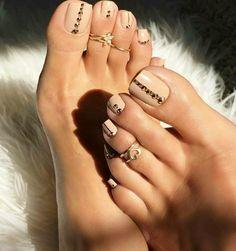 Fußnägel lackieren: Woraus besteht die Routine, damit Sie Ihre Fußnägel richtig lackieren zu können?