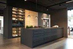 Küchen Schlatter ist Ihr Küchenstudio mit Schreinerei in Kirchheim/Teck und Umgebung. Individuell geplante Einbauküchen von LEICHT und Ballerina.