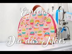 YouTube Knitting Projects, Sewing Projects, Fabric Purses, Denim Bag, Diy Bags, Fabric Crafts, Purses And Bags, Sewing Patterns, Patches