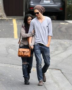 "Vanessa Hudgens and Austin Butler Photos Photos - ""High School Musical"" actress Vanessa Hudgens heads to Trader Joes with her boyfriend Austin Butler to shop for groceries and flowers on June 15, 2012 in Studio City, California. - Vanessa Hudgens & Austin Butler Shop For Flowers"