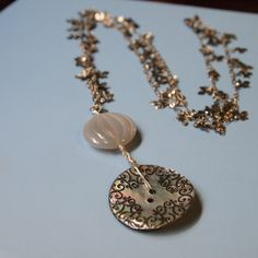 Black Lace Shell Necklace  (clear moon 2012 winter)