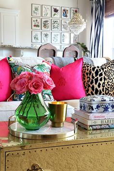home decor tips Styling Tips for Decorating for Spring Home Living Room, Living Room Decor, Bedroom Decor, Bedroom Ideas, Elegant Home Decor, Elegant Homes, Design Salon, Diy Décoration, Diy Crafts