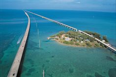Oh my.......where is the end of this bridge???  Pigeon Key Marine Lab & Seven Mile Bridge, FL