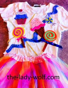 The Lady Wolf: Katy Perry Costume for Kids DIY Candy Costumes, Girl Costumes, Halloween Costumes, Costume Ideas, Halloween Ideas, Katy Perry Outfits, Katy Perry Dress, Daisy Costume, Katy Perry Costume