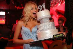 2016 Sports Illustrated Swimsuit Issue cover star celebrates her 21st birthday at Surrender with custom cake by Wynn Las Vegas' pastry team.