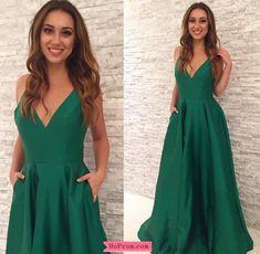 Spaghetti Straps A-line Green Prom Dress Satin V Neckline with Pockets