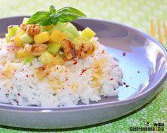 Ensalada de arroz aromático con mango y pepino