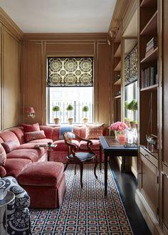 A cosy space in a Manhattan apartment _Nina Campbell Nina Campbell, Small Rooms, Small Spaces, Small Living, Living Spaces, Living Rooms, English Interior, Manhattan Apartment, Interiores Design