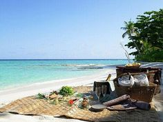 Y qué tal un picnic en la playa de San Andrés, Colombia ... #HosteriaMarySol