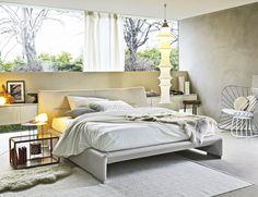 Revestida de piel, como un guante, cama Glove, de Patricia Urquiola para Molteni&C, desde 3.700 € aprox.
