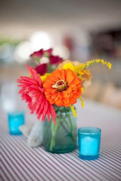 simple but colourful table decor