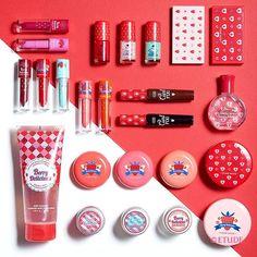 . 2016 S/S#Collection. Spring Strawberry Melting Sweet Makeup Collection. . 상큼하고 촉촉하게! 생기 가득,  봄 딸기를 가득 담은 #베리딜리셔스컬렉션 . #신상품#베리딜리셔스#봄메이크업#컬러인리퀴드립스#쥬이시#마가린핑거스#NewArrival#BerryDelicious#ColorinLiquidLips#Juicy#Strawberry#margarinfingers#etude#etudehouse#에뛰드#에뛰드하우스#에뛰드그램#伊蒂之屋#エチュードハウス#春暖生机草莓系列