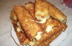 Potato sticks with cheese Crisp, potato and soft cheese inside. Delicious) Ingredients: ● 5 medium boiled potatoes ● 2 eggs ● of Pizza Recipes, Crockpot Recipes, Cooking Recipes, Potato Recipes, Potato Sticks, Yummy Food, Tasty, Party Snacks, Finger Foods