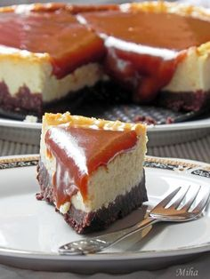Cheesecake with caramel No Cook Desserts, Sweets Recipes, Delicious Desserts, Yummy Food, Caramel Cheesecake, Cheesecake Recipes, No Bake Treats, Yummy Treats, Mini Cheesecakes