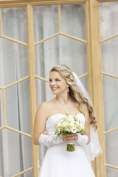 eriktibensky.eu #eu #photography #photo #foto #dress #bride #wedding #modeling #svadba #svadobny #fotograf #flower One Shoulder Wedding Dress, Modeling, Bride, Wedding Dresses, Flowers, Photography, Fashion, Self, Wedding Bride