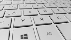 Python 3 – ohjelmointiopas versio 1.0 http://www.doria.fi/bitstream/handle/10024/63381/isbn%209789522149701.pdf
