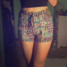 flowy print shorts Super colorful and fun for the summertime! Also very comfortable to wear. Elastic waistband and drawstring. Has 2 decent sized front pockets! Purchased from Macy's. 10% off all bundles :) BeBop Shorts